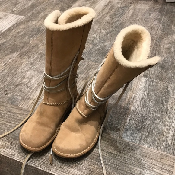 341a0b99125 Women's Ugg Australia tall boots with wrap laces